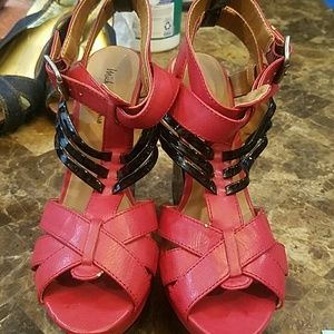 Michael Antonio red and black wedges